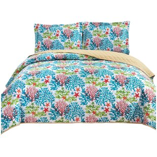 Finnley 3 Piece Reversible Quilt Set