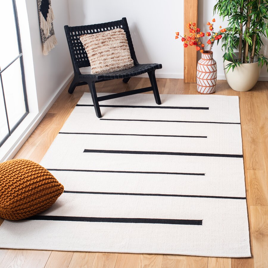 Moynihan Hand-Knotted Cotton Ivory / Black Rug