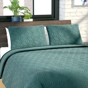 Cash 3 Piece Quilt Set