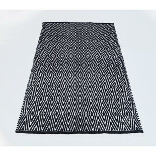Best Reviews Fortin Black/White Indoor/Outdoor Area Rug By Bungalow Rose