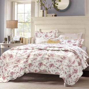 Surrett Shabby Elegance Vintage Rose Quilt Set