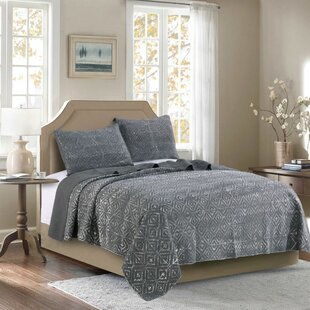 North Brookfield 3 Piece Stone Washed Reversible Quilt Set