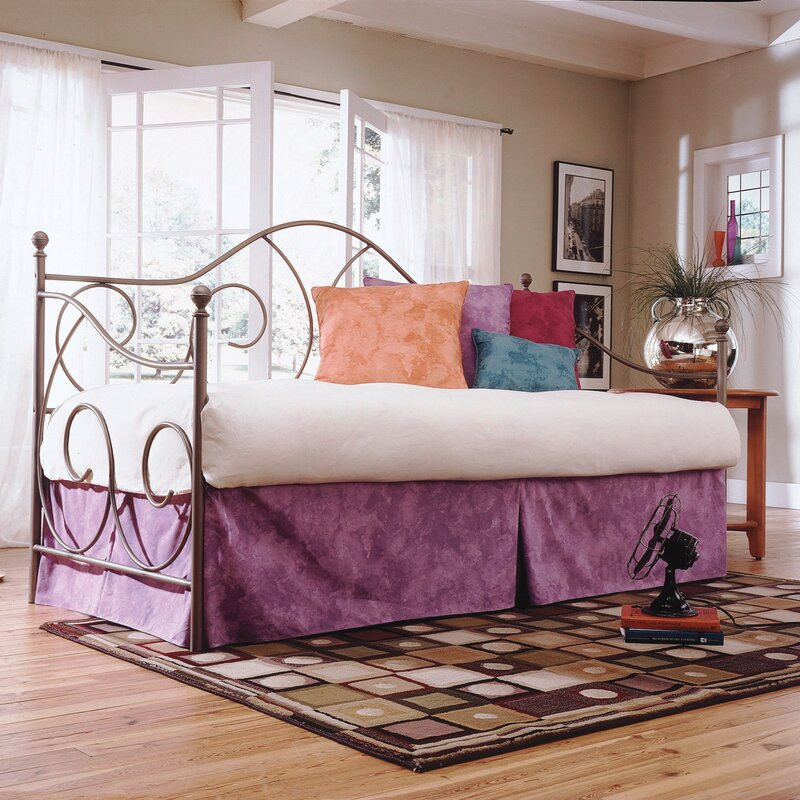 August Grove Steelton Traditional Metal Frame Daybed & Reviews | Wayfair