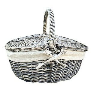 Picnic Basket With Oatmeal Lining By House Of Hampton