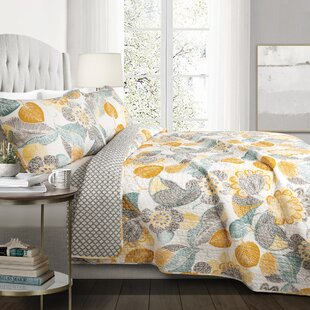 aee43195f30 Light Gray Quilt Set