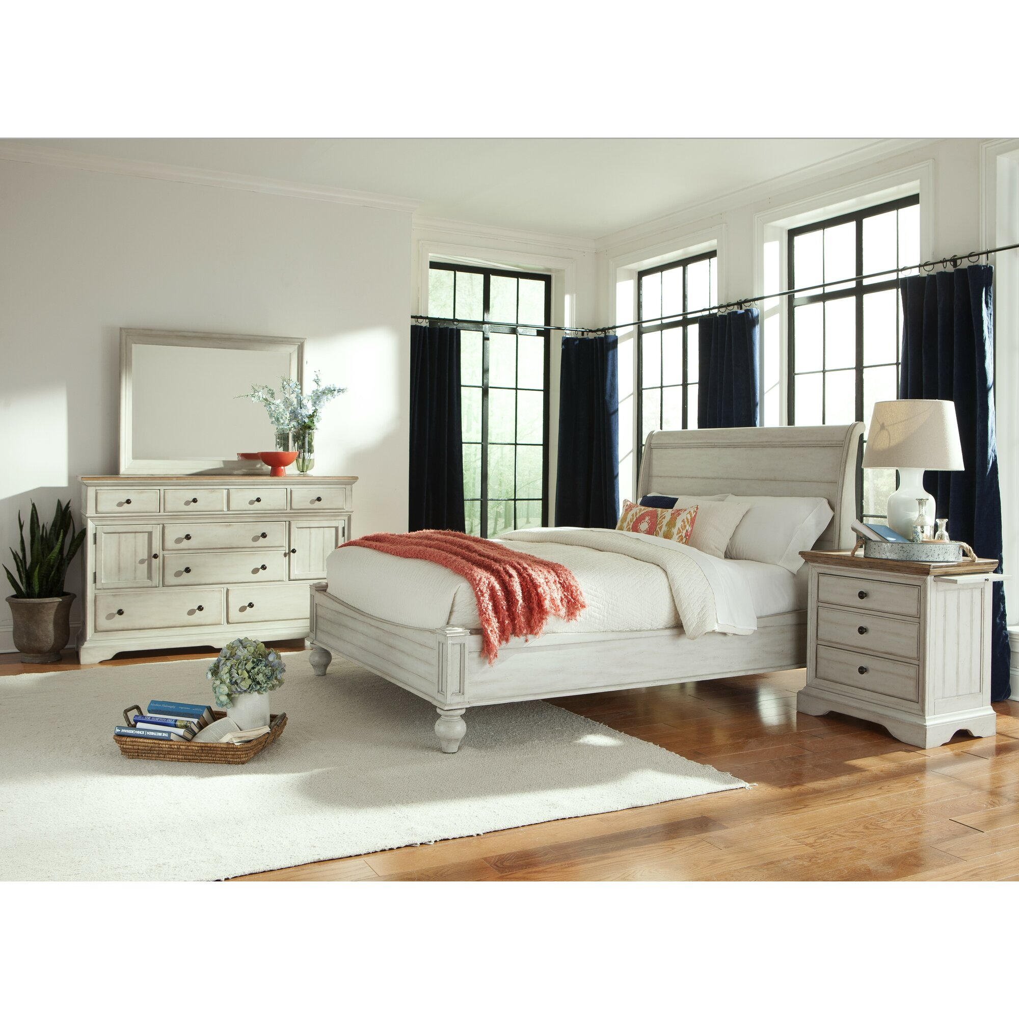 Cottage Panel Customizable Bedroom Set