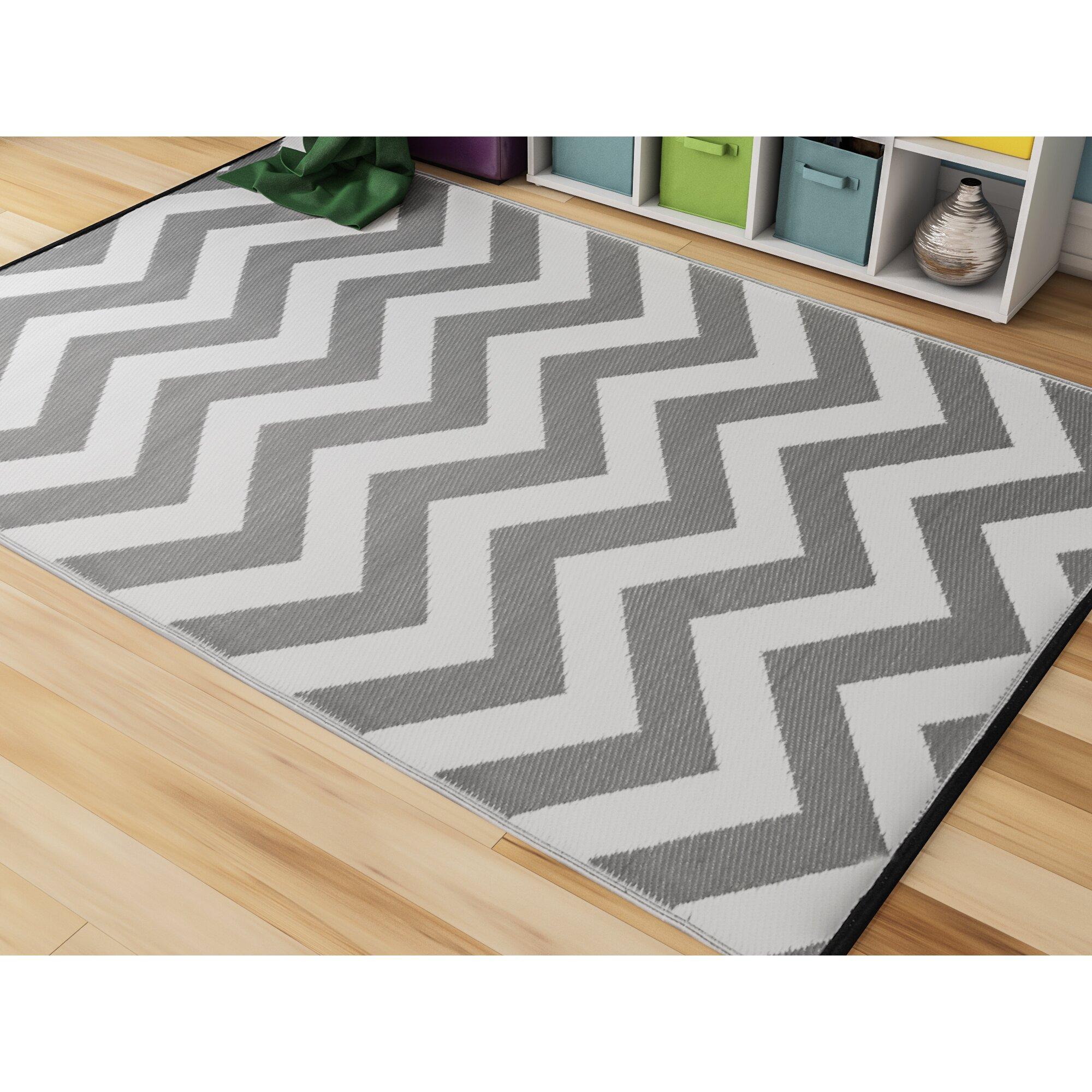 Riley ave lauryn grey indoor outdoor area rug reviews for Indoor outdoor rugs uk