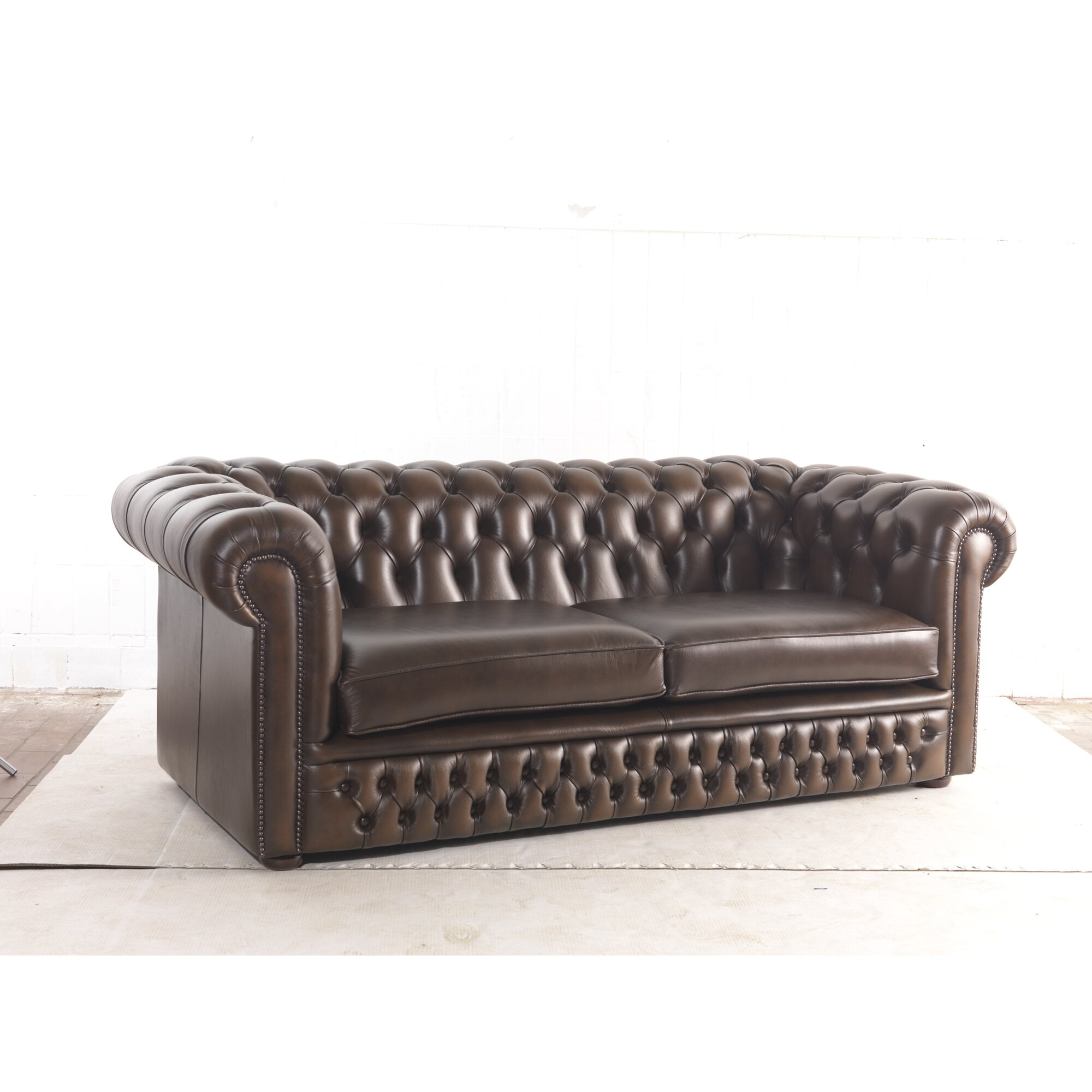 loftdesigns 3 sitzer chesterfield sofa roman aus leder. Black Bedroom Furniture Sets. Home Design Ideas