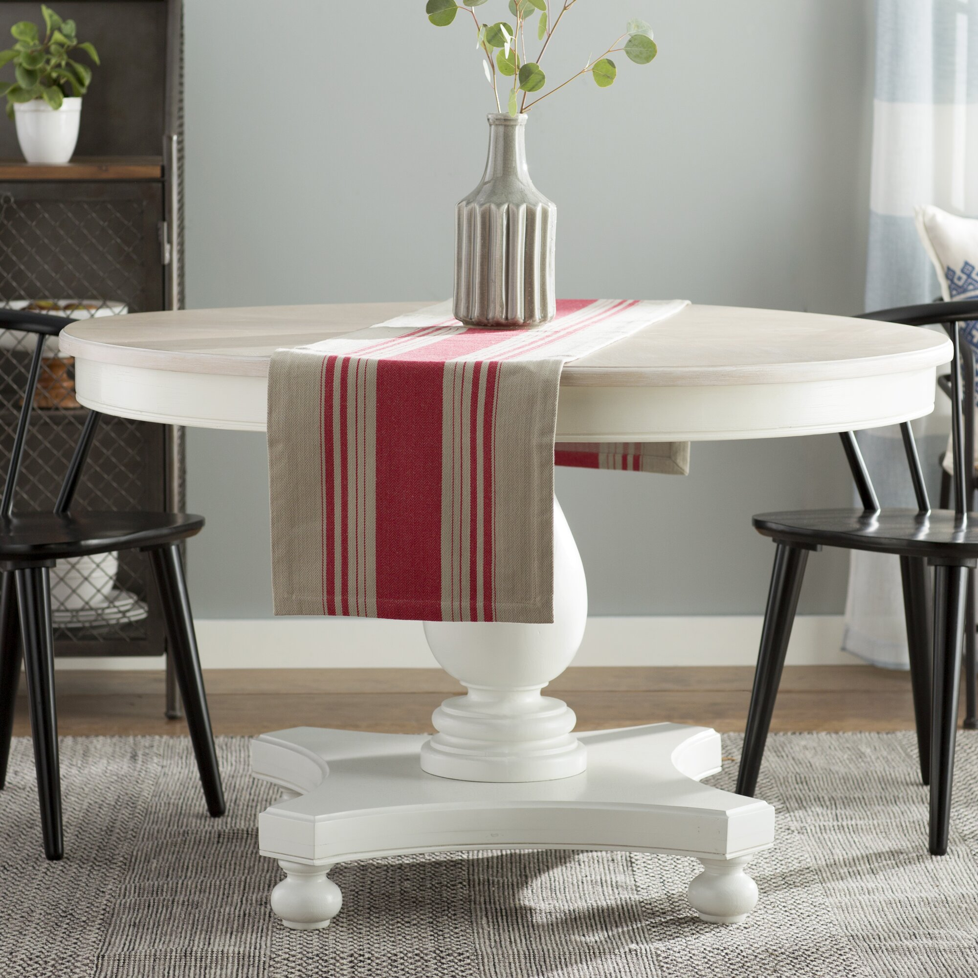 Laurel Foundry Modern Farmhouse Edyth Round Dining Table