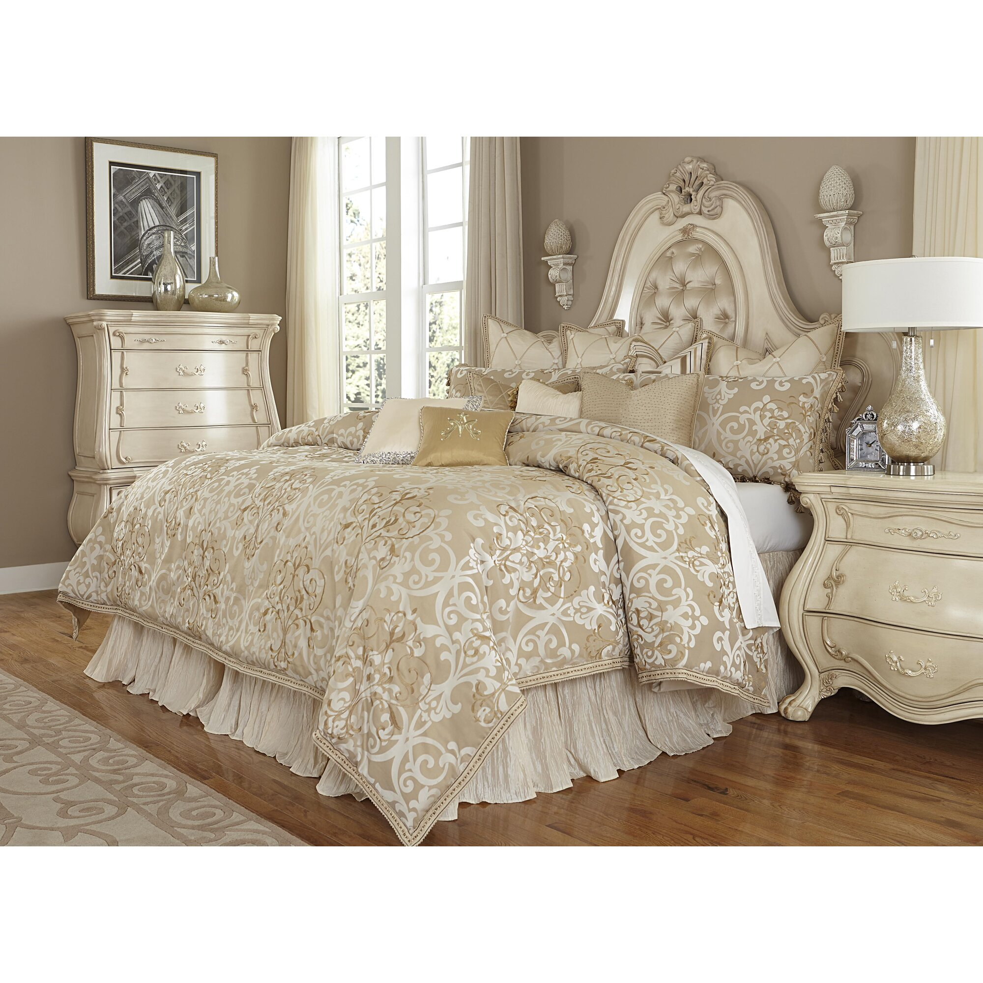 Michael Amini Luxembourg 13 Piece King forter Set