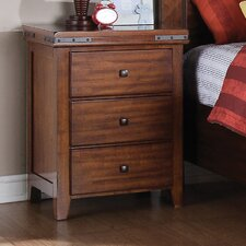 Nashoba 3 Drawer Bachelor's Chest by Loon Peak