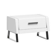 Wellow Nightstand
