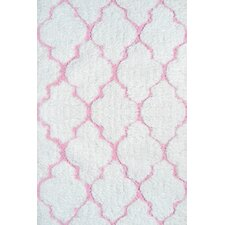 New Chic Handmade White/Pink Area Rug
