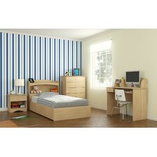 Brook Hollow Platform Customizable Bedroom Set