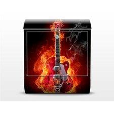 Briefkasten Gitarre in Flammen mit Zeitungsfach