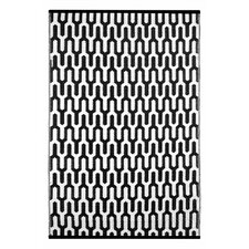 Lightweight Reversible Black/White Indoor/Outdoor Area Rug