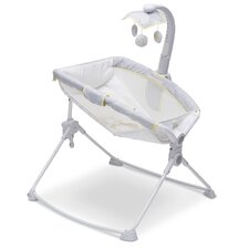 Disney Winnie the Pooh Deluxe 3-in-1 Activity Bassinet