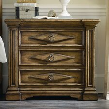 Auberose 3 Drawer Bachelor's Chest by Hooker Furniture