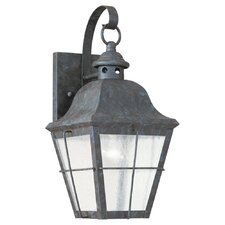 Colonial Styling 1-Light Outdoor Wall lantern