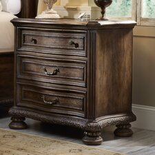 Rhapsody 3 Drawer Bachelor's Chest by Hooker Furniture
