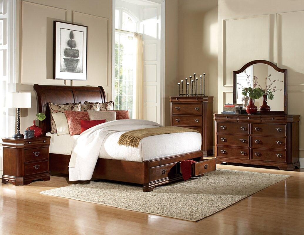 Woodhaven Hill Karla Queen Platform Customizable Bedroom Set