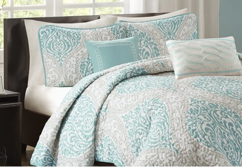 Charming Quilt Sets for Less