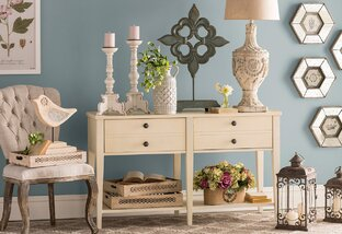 Country-Chic Decor