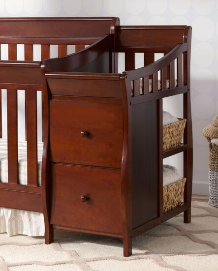 Viv Rae Naomi 4 In 1 Convertible Crib And Changer Combo