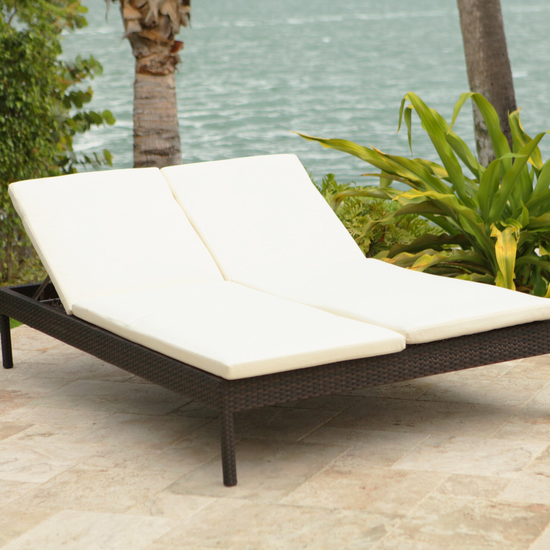 Source Outdoor Manhattan Double Chaise Lounge with Cushion ...