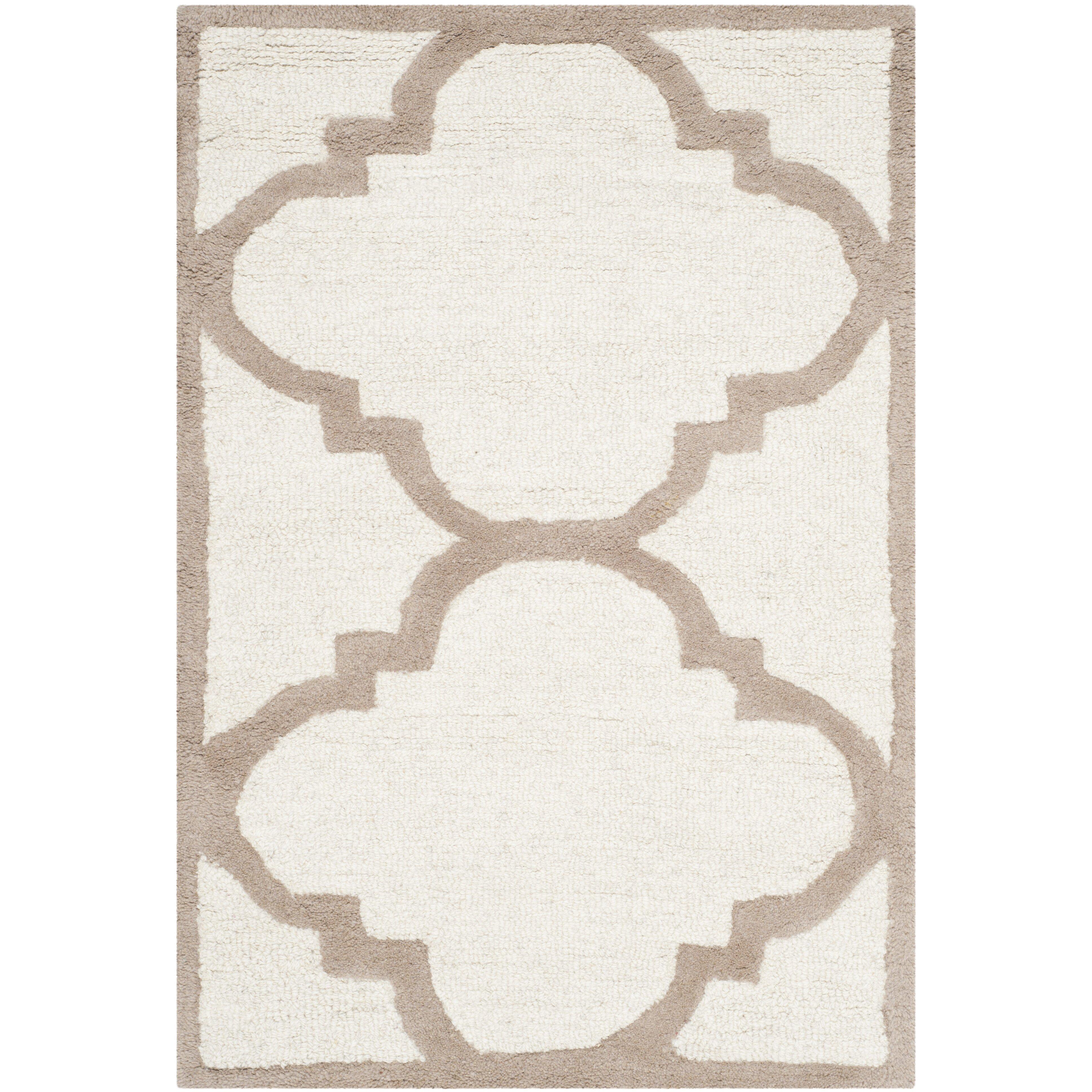 Safavieh Handgetufteter Teppich Cambridge in Elfenbein