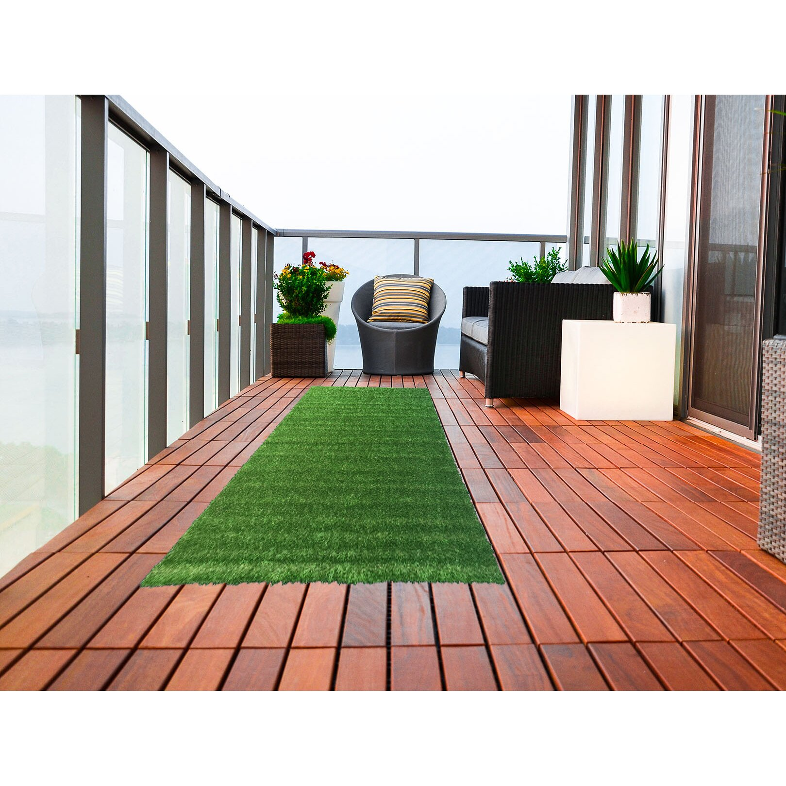 Indoor grass rug roselawnlutheran for Indoor outdoor carpet green