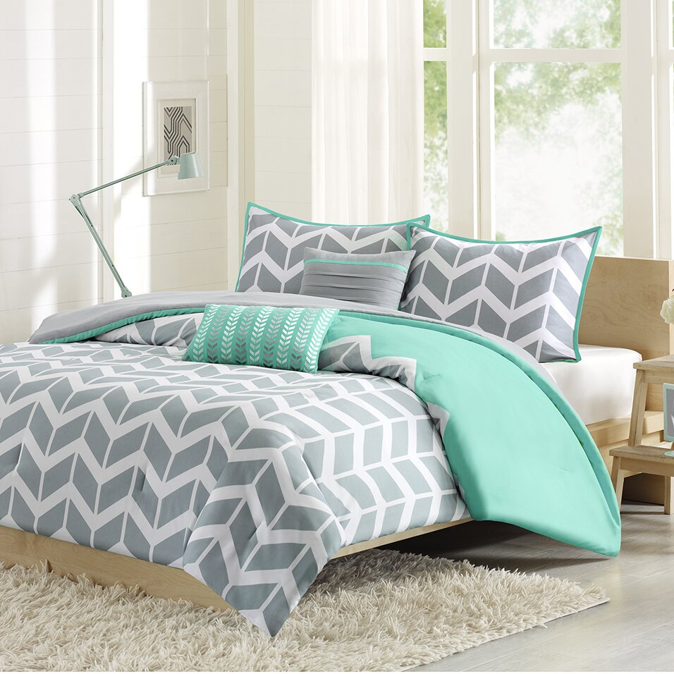 Bedspread designs texture - Intelligent Design Kayley Comforter Set