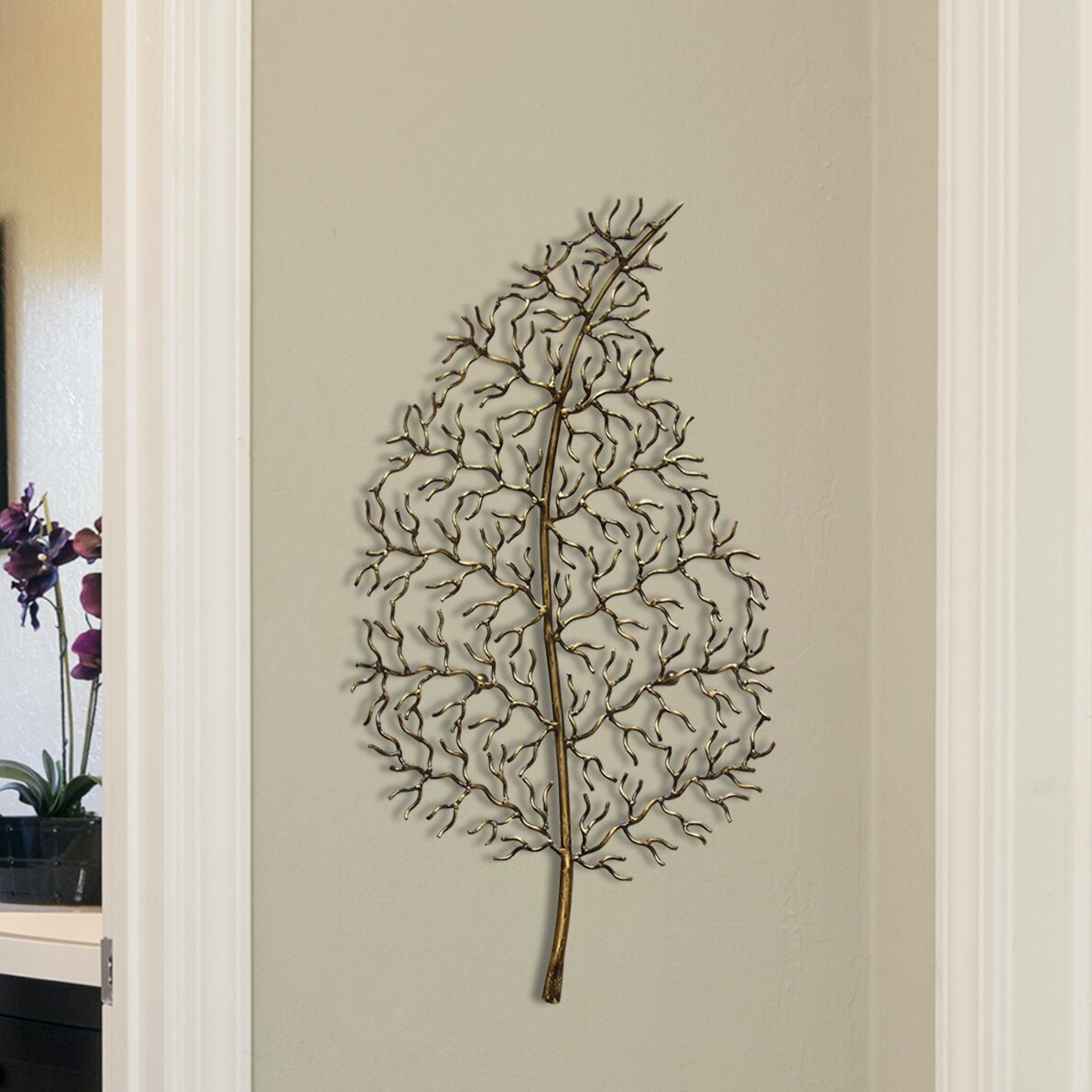 Stratton Home Decor Ornate Leaf Wall Du0026eacute;cor