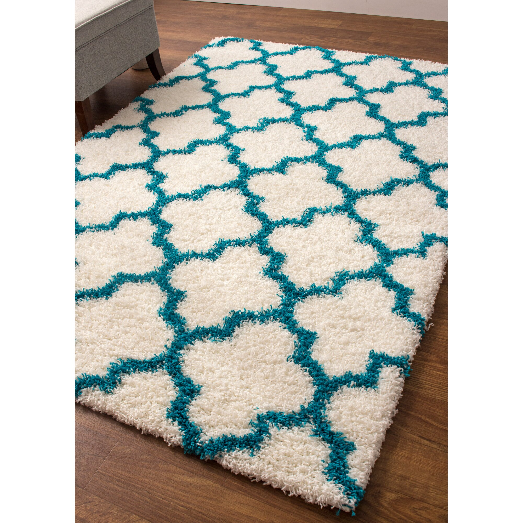 Super Area Rugs Cozy White/Turquoise Area Rug