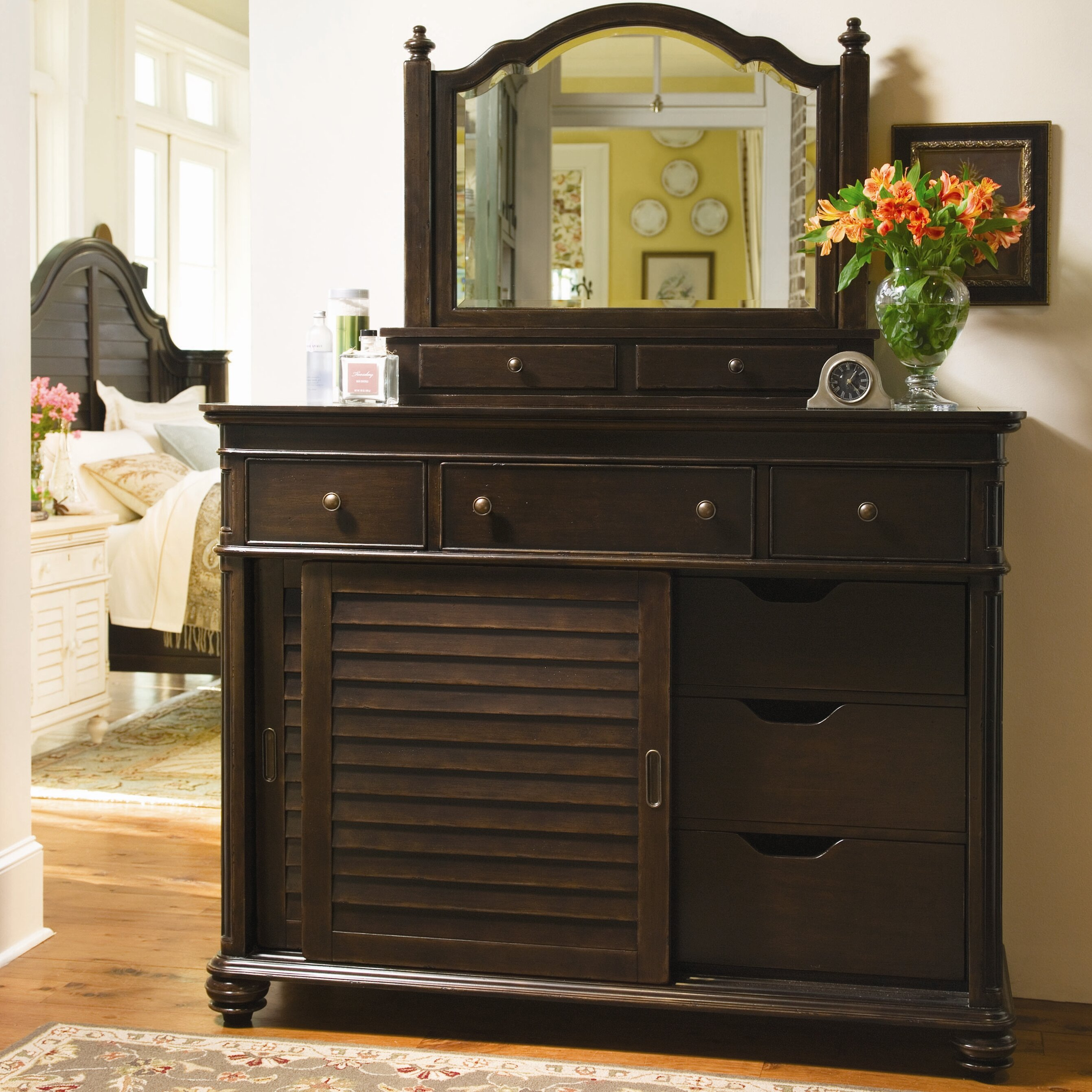 Paula Deen Bedroom Furniture Collection Steel Magnolia Paula Deen Home The Bag Ladys 6 Drawer Combo Dresser With Mirror