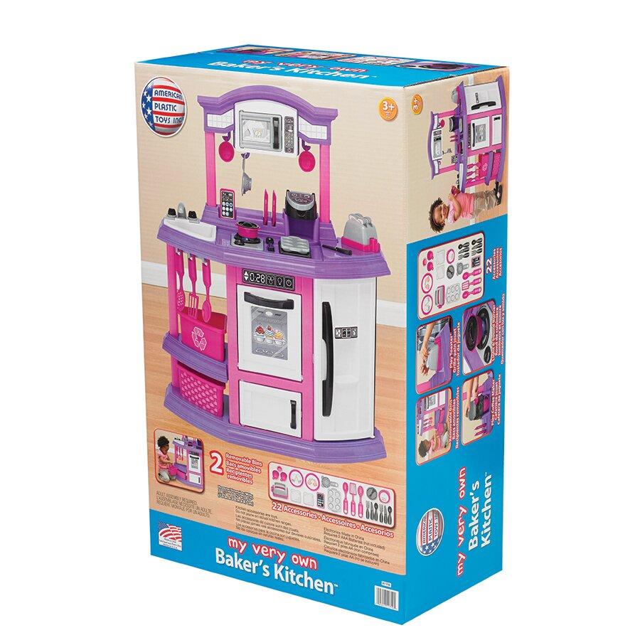American plastic toys 22 piece baker 39 s kitchen set for Plastic kitchen set